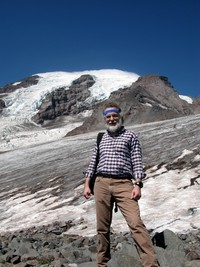 Alex and Mt Rainier on Camp Muir trail
