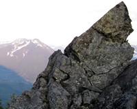 mailbox peak behind mt si rock