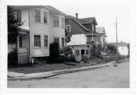 rb astoria 686 harrison davis house in background 001