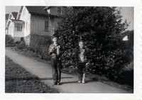 rb bruce tommy thanksgiving 1954 001