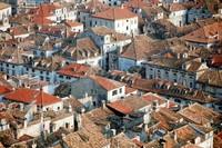 1971 07 Dubrovnik roofs 01