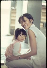 ss 006 1970 05 23 mama san with daughter