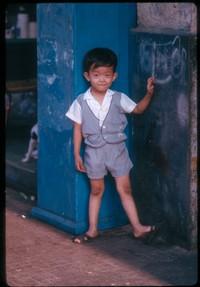 ss 009 1970 01 19 boy in doorway