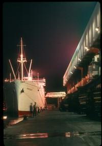 ss 074 1970 09 23 ship at night at kowloon dock