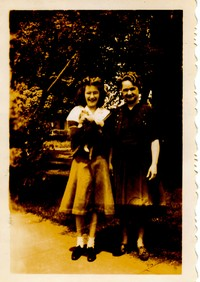 tc angela and mother 1939 001